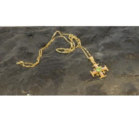 שרשרת ותליון צלב עם אבן חן עשוי כסף ציפוי 24K זהב