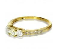 """טבעת זהב 14K """"שלוש אבנים"""" משובצת 0.65CT"""