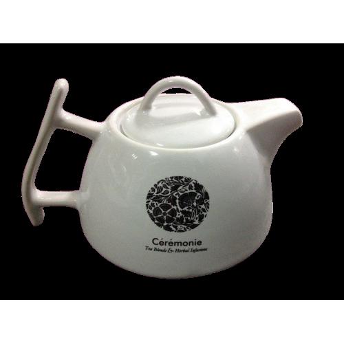 Белый керамический заварной чайник
