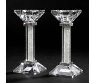 Пара хрустальных подсвечников с белыми кристаллами