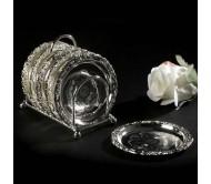 Подставка с серебряными блюдцами
